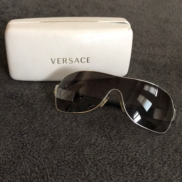0f57c5c874e4 SALE ❗️Unisex Versace Sunglasses. M 5c3a4f1f619745f8b601c06d